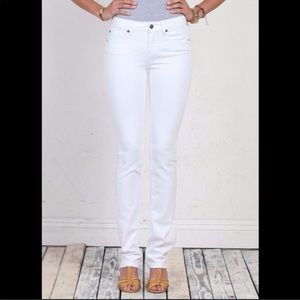 Henry & Belle white signature straight jeans sz 27